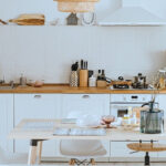 Top 9 kitchen tables for families in 2021
