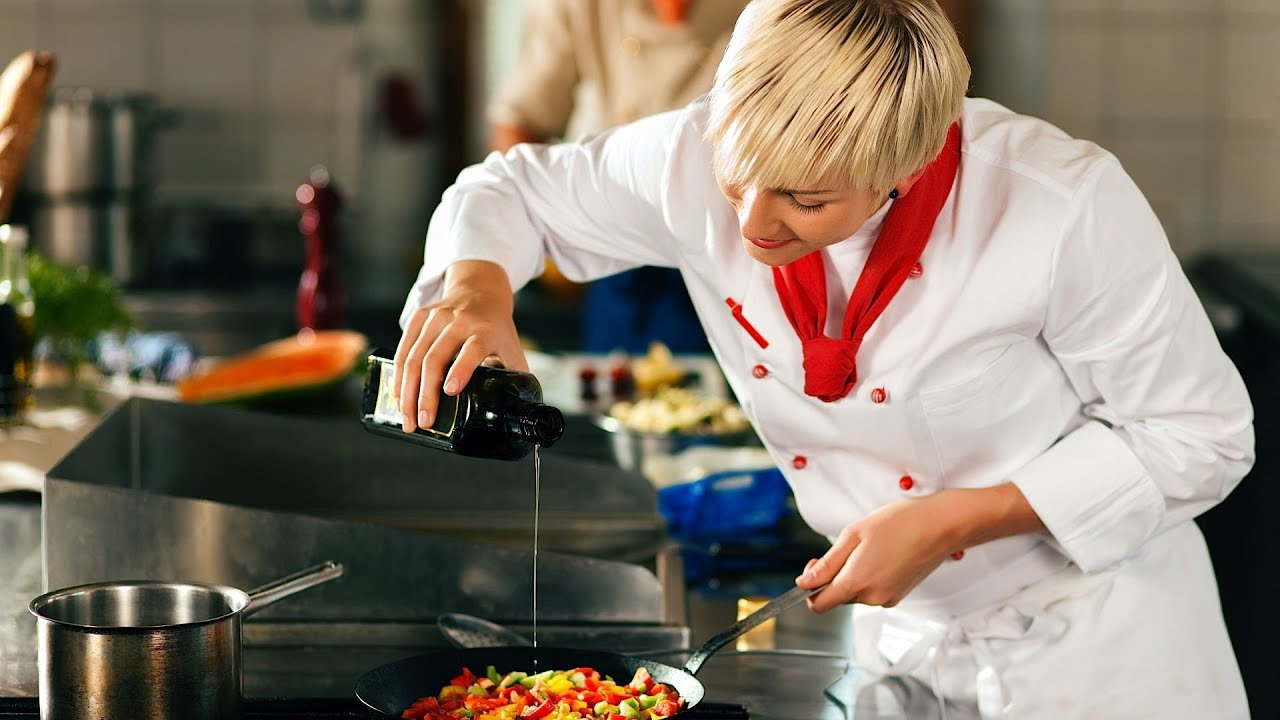 How Much Does a Sous Chef make?